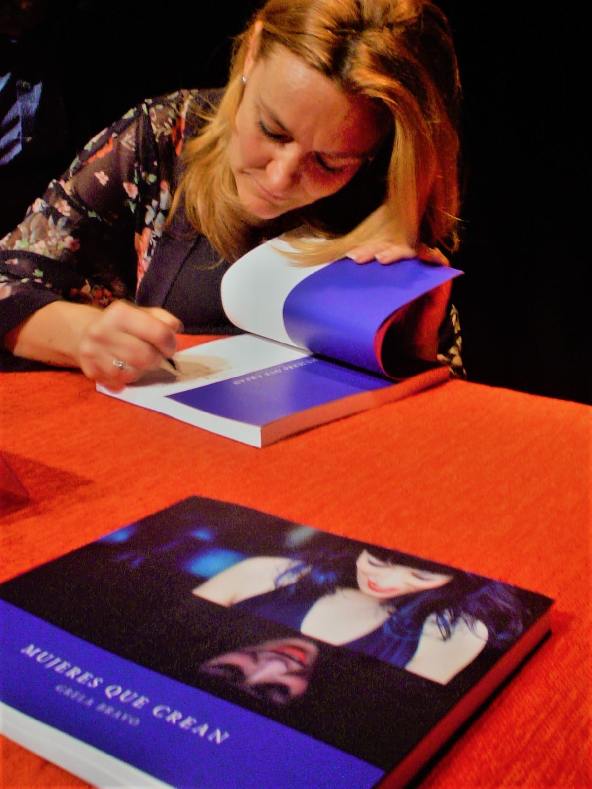 Presentación del libro de Grela Bravo: Mujeres que Crean